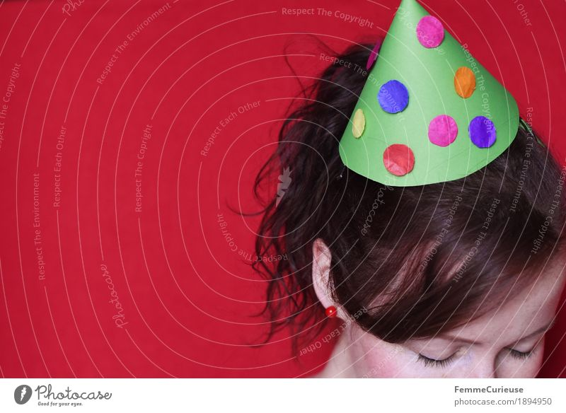 little hat Feminine Young woman Youth (Young adults) Woman Adults 1 Human being 13 - 18 years 18 - 30 years 30 - 45 years Joy Party Party goer Party guest