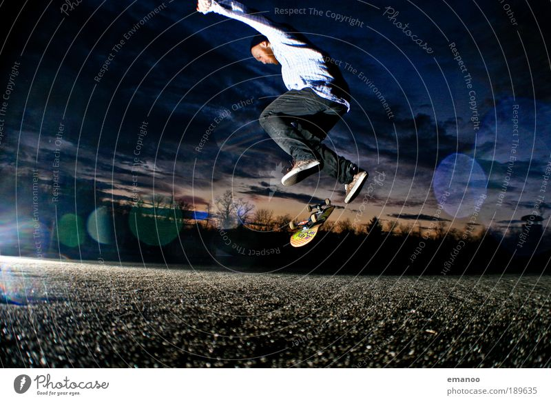 kick the flipping board Lifestyle Joy Sports Skateboard Skateboarding Kickflip Sports ground Halfpipe Masculine Young man Youth (Young adults) 1 Human being