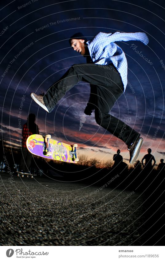 big spin Lifestyle Joy Leisure and hobbies Sports Skateboard Skateboarding Freestyle Halfpipe Sports ground Masculine 1 Human being 18 - 30 years