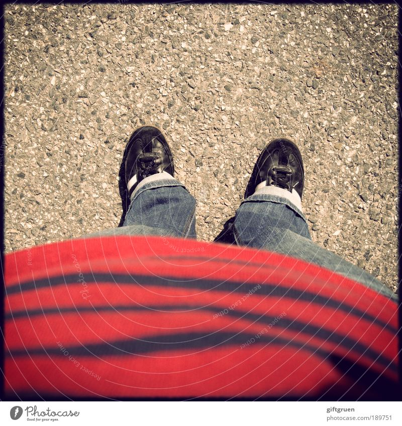 Me, myself and I Human being Stomach Legs Feet 1 Clothing T-shirt Pants Jeans Hoop stripe t-shirt Footwear Sneakers Stand Striped Striped sweater Asphalt Ground