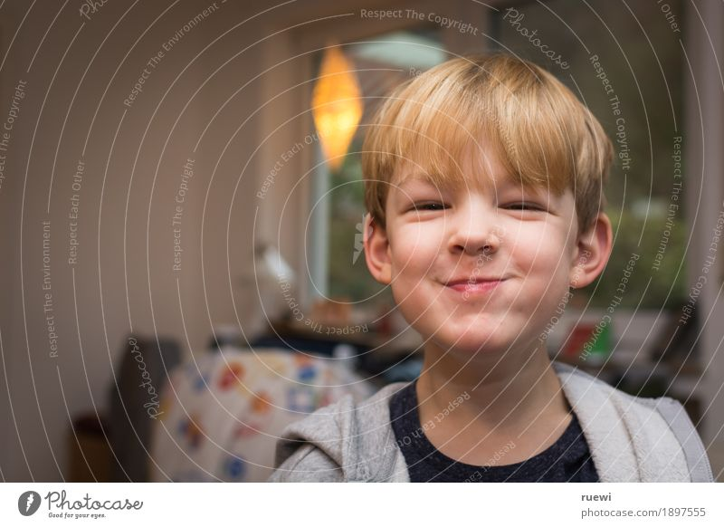 Human being Child Joy Face Eating Emotions Funny Boy (child) Laughter Happy Head Moody Contentment Blonde Infancy Happiness