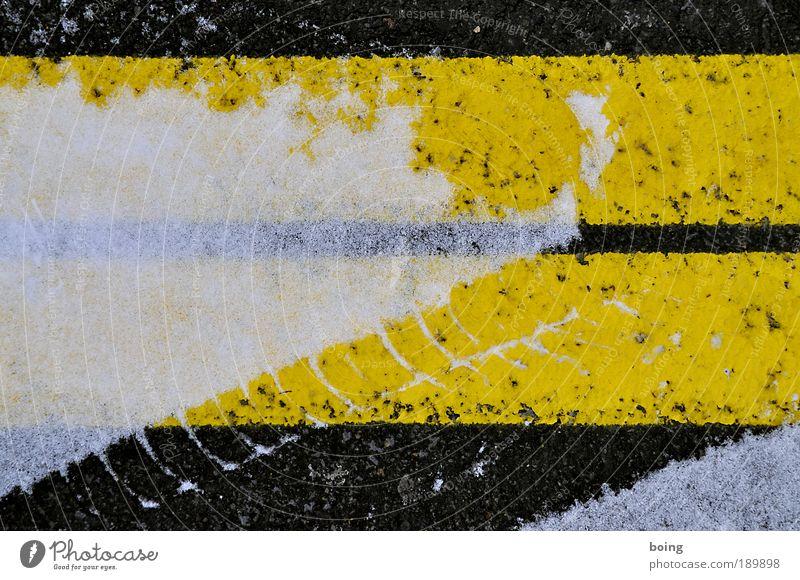 Winter Black Yellow Street Snow Transport Arrangement Tracks Stripe Traffic infrastructure Parking lot Smoothness Tire tread Gritting material Skid marks Lane markings