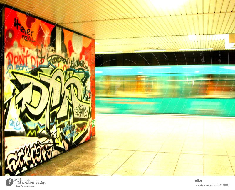 ubahn-graffiti Get in Driveway Underground Speed Driving Transport Contrast Logistics