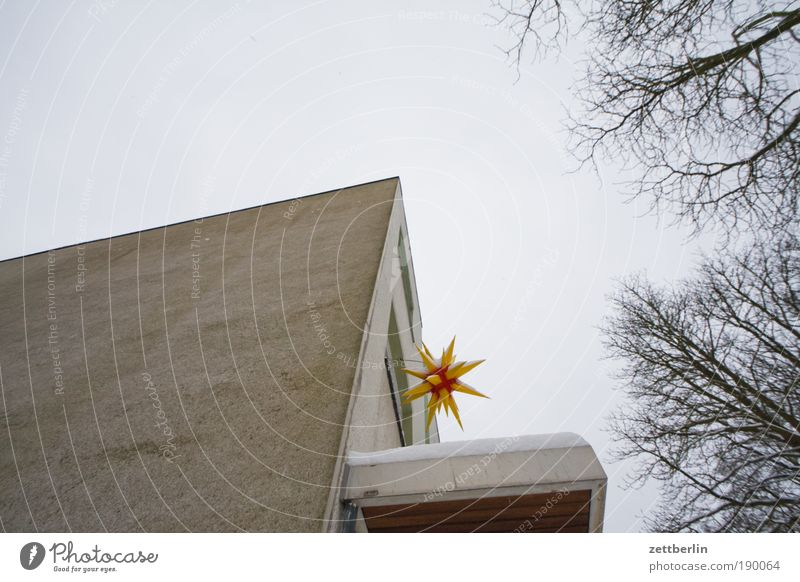 Sky Christmas & Advent Blue House (Residential Structure) Wall (building) Window Wall (barrier) Lamp Religion and faith Lighting Facade Stars Star (Symbol) Church Jewellery