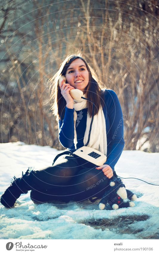 Woman Human being Nature Youth (Young adults) Winter Feminine To talk Garden Adults Dream Park Wait Sit Telephone Communicate