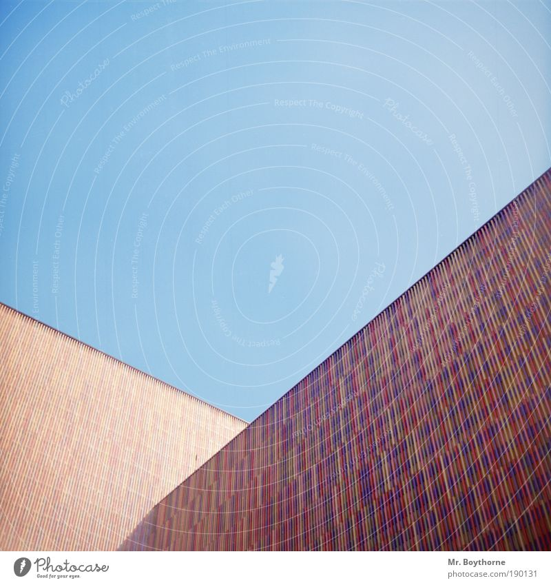 Polymorphic polygons Sightseeing City trip Art Museum Cloudless sky Beautiful weather Munich Architecture Wall (barrier) Wall (building) Facade