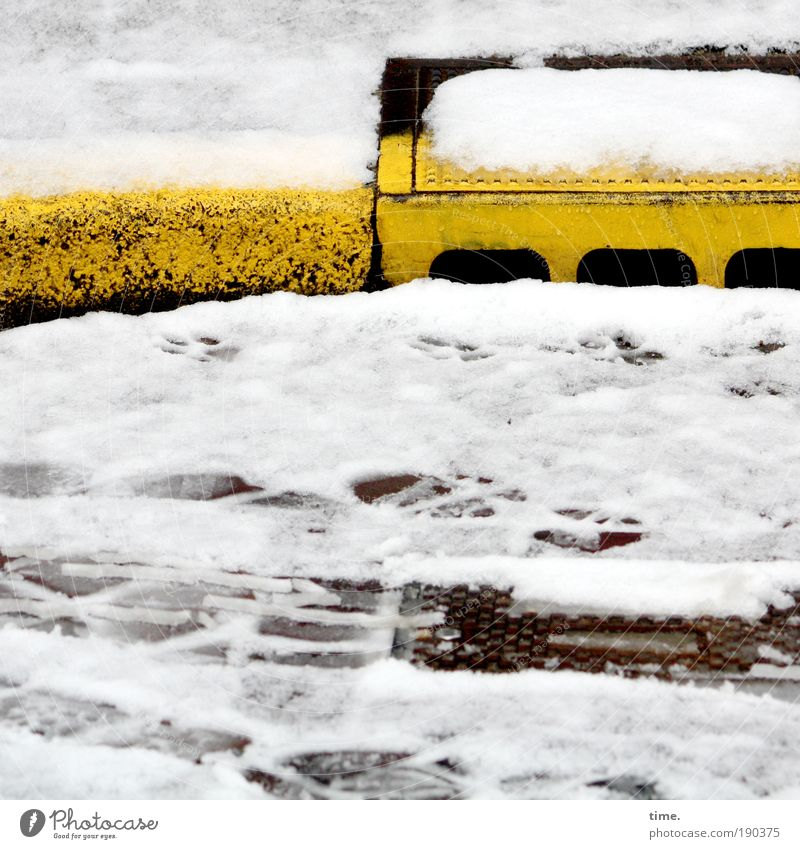 Black and Yellow Shops Gully Drainage Street Curbside Snow Exterior shot Dazzle 3 Boundary Water underworld Tracks Skid marks Footprint Colour photo Day