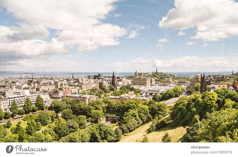 Edinburgh Leisure and hobbies Vacation & Travel Tourism Sightseeing City trip Expedition Summer vacation Exhibition Museum Architecture Sky Clouds