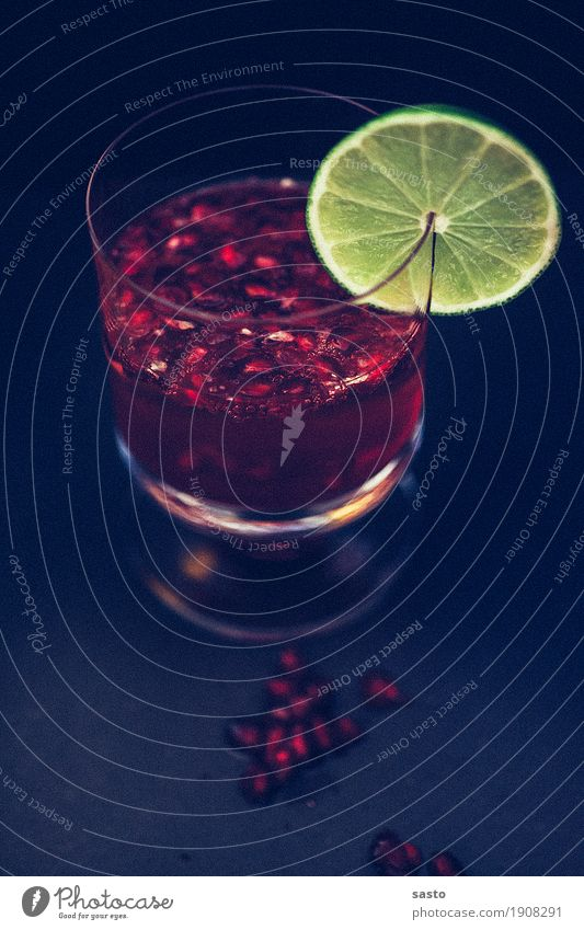 Red Lady Beverage Alcoholic drinks Sparkling wine Prosecco Mulled wine Glass Esthetic Cool (slang) Elegant Fluid Fresh Yellow Black Moody Contentment