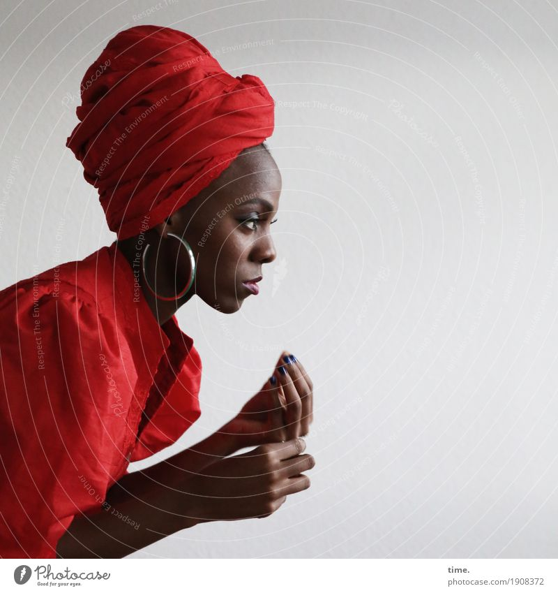 Tash Feminine Woman Adults 1 Human being Dress Jewellery Earring Headscarf Observe Looking Esthetic already Self-confident Passion Watchfulness Life Belief