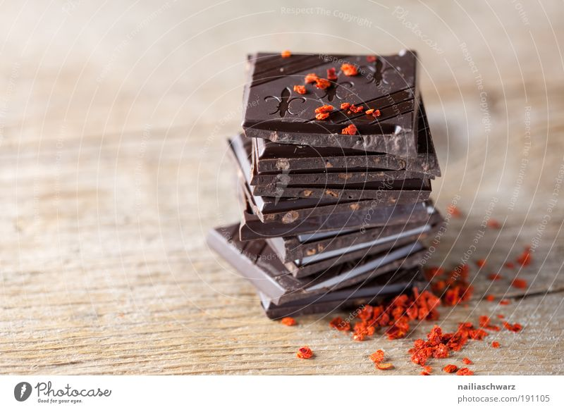 chocolate Food Candy Chocolate Herbs and spices Chili chili flakes Nutrition Organic produce Slow food Lifestyle Esthetic Sharp-edged Simple Elegant Exotic Good