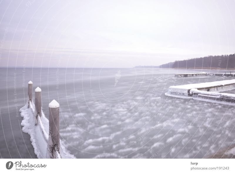 The photocase effect Relaxation Calm Ocean Winter Snow Environment Nature Landscape Elements Water Sky Clouds Bad weather Ice Frost Waves Coast Lakeside