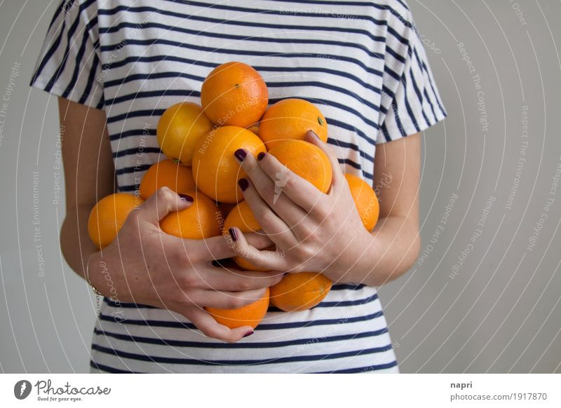 seasonal goods Fruit Orange Feminine 1 Human being To hold on Fresh Healthy Delicious Round Juicy Thin Sweet Colour To enjoy Nutrition Accumulation Surplus