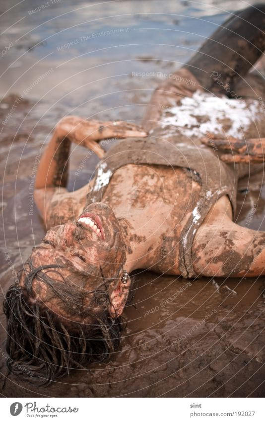 Human being Youth (Young adults) Joy Relaxation Feminine Dirty Swimming & Bathing Wet Lie Happiness Young woman Woman To enjoy Brunette Mud Emotions