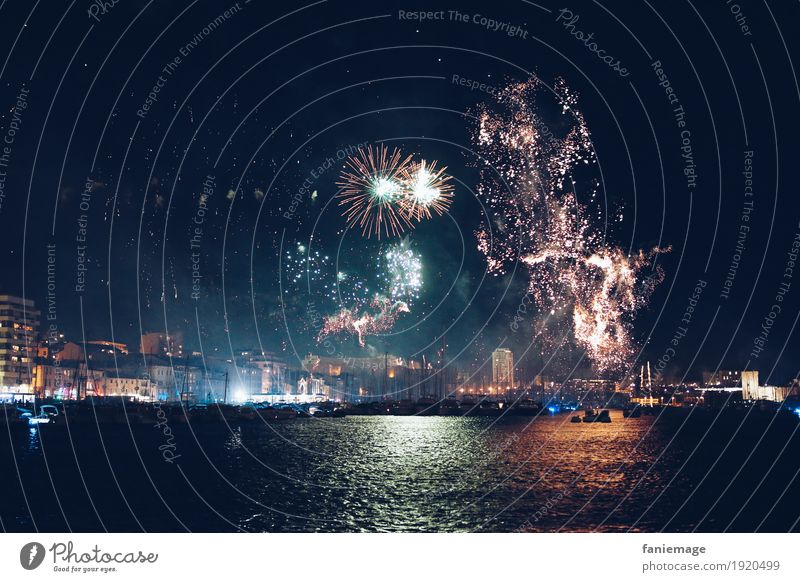 Feu d'artifice au Vieux Port MP2017 Town Capital city Downtown Old town Feasts & Celebrations Firecracker Rocket Illuminate Night Night life Party Event Events