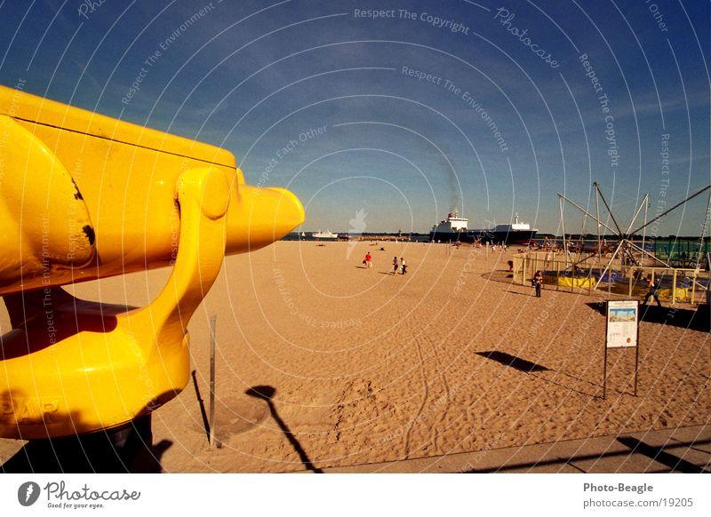 Expensive vision III Binoculars Telescope Beach TRavemünde End of the season Vantage point Watercraft Run in Europe Coin binoculars Coin telescope Baltic Sea