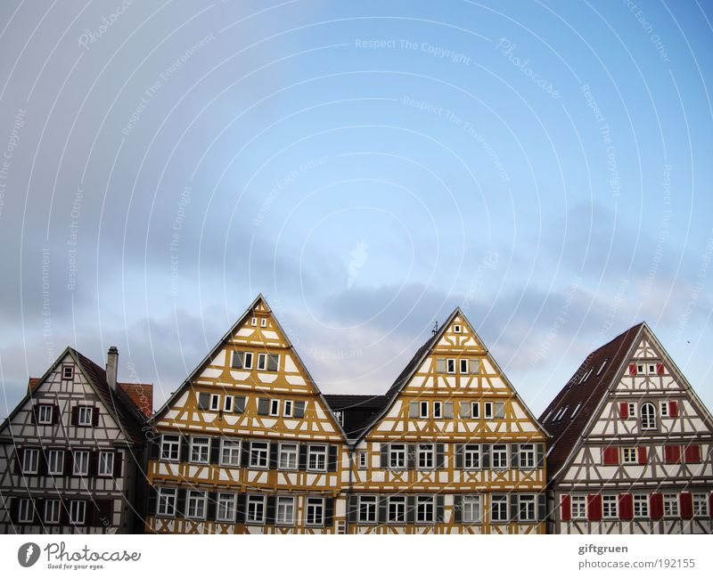 Old Sky City House (Residential Structure) Clouds Wall (building) Window Wall (barrier) Building Architecture Germany Facade Roof Living or residing Point