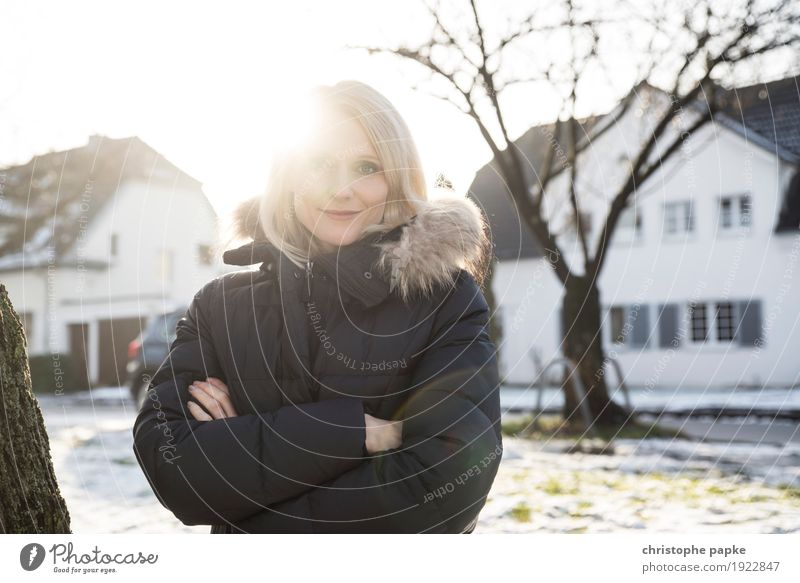 Enlightened Human being Feminine Young woman Youth (Young adults) Woman Adults 1 18 - 30 years 30 - 45 years Sun Winter Beautiful weather Snow Tree