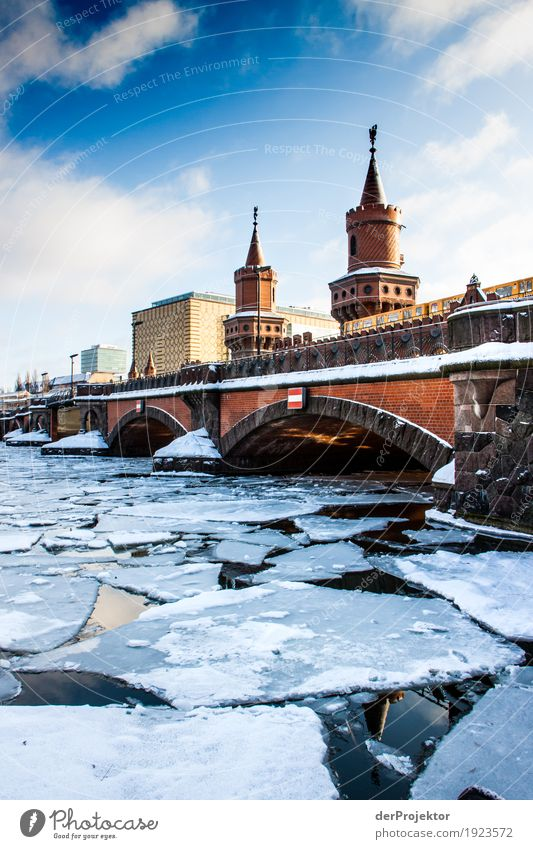 Icy times at the Oberbaum Bridge Vacation & Travel Tourism Trip Sightseeing City trip Environment Winter Beautiful weather Ice Frost River bank Capital city