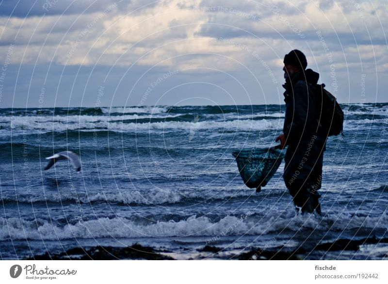 WANTED : Bernd Stein Fishing (Angle) Vacation & Travel Beach Ocean Fisherman Masculine Man Adults 1 Human being Nature Water Sky Clouds Horizon Wind Island