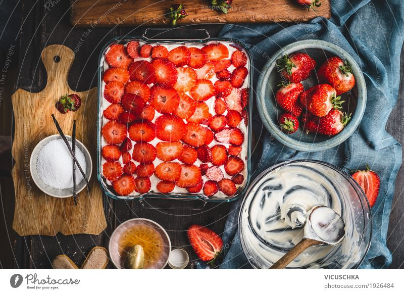 make strawberry pie Food Fruit Cake Dessert Nutrition Organic produce Crockery Style Design Life Living or residing Table Kitchen Gourmet Vintage Strawberry