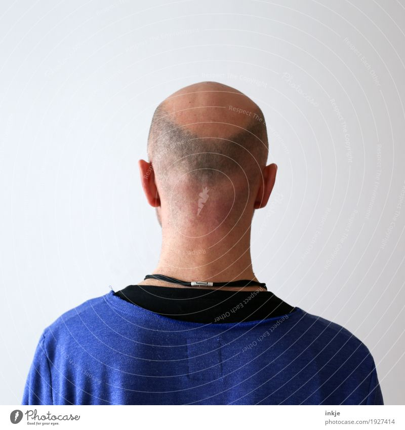 man without has Lifestyle Style Man Adults Head Back 1 Human being 30 - 45 years 45 - 60 years Hair and hairstyles Bald or shaved head Hair loss Stand