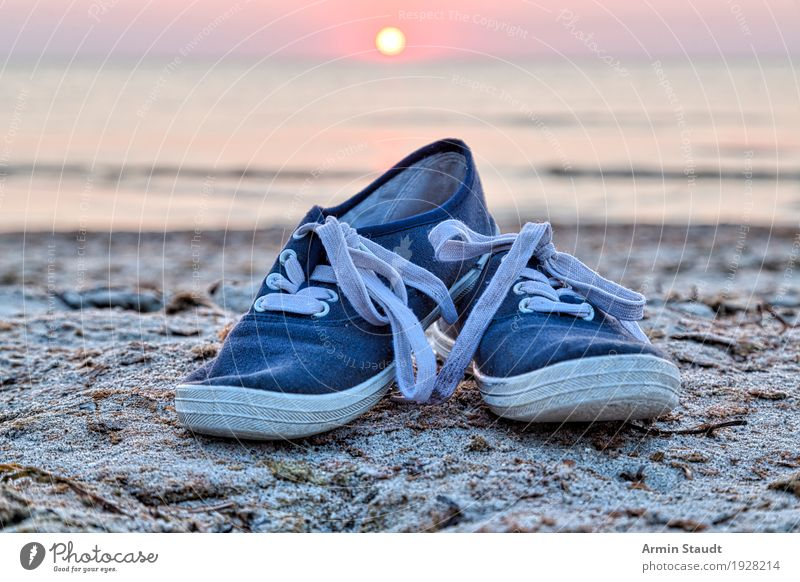 beach shoes Lifestyle Style Design Harmonious Well-being Contentment Leisure and hobbies Vacation & Travel Tourism Adventure Far-off places Freedom Beach Ocean