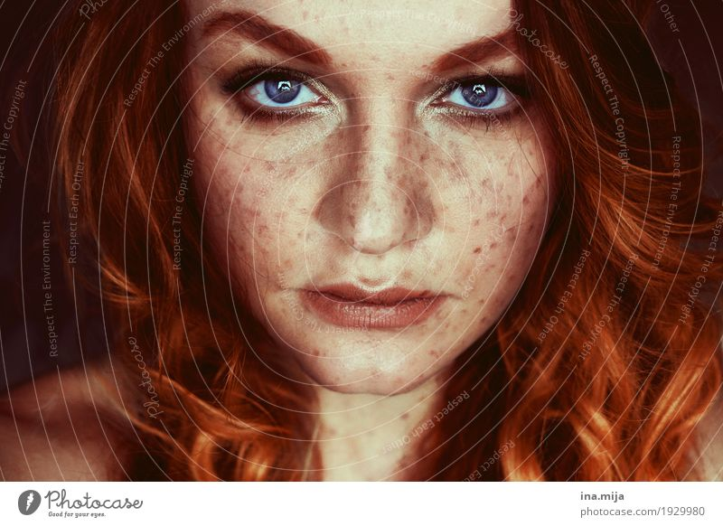 I Human being Feminine Young woman Youth (Young adults) Woman Adults Sister Hair and hairstyles Face 1 18 - 30 years Red-haired Long-haired Curl Esthetic