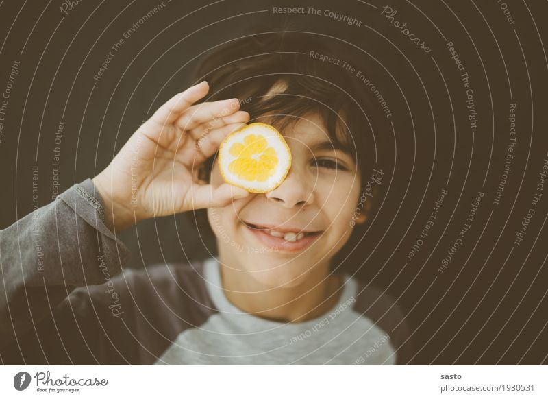 Mr Lemon Masculine Child Boy (child) 1 Human being 8 - 13 years Infancy Observe Smiling Looking Authentic Brash Happiness Fresh Funny Positive Brown Yellow Gray