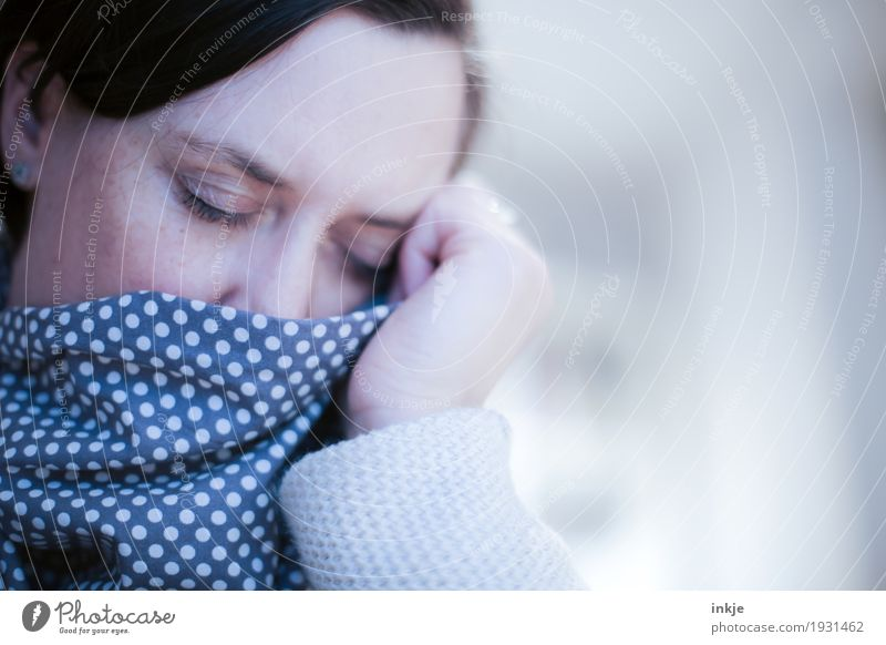 tired of spring Lifestyle Illness Relaxation Calm Woman Adults Face 1 Human being 30 - 45 years 45 - 60 years Scarf Rag Point Sleep Dream Emotions Sadness Grief