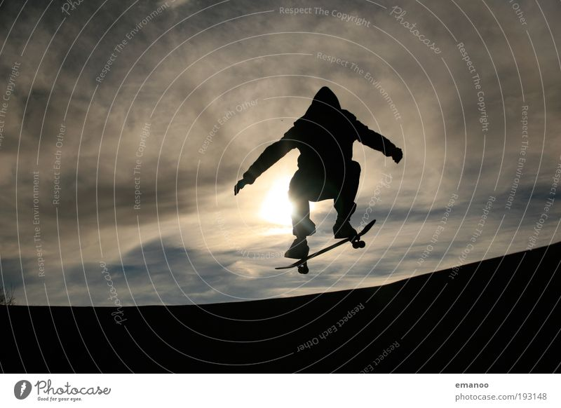 skydivers Lifestyle Freedom Summer Sun Sports Halfpipe Human being Young man Youth (Young adults) 1 18 - 30 years Adults Jump Athletic Cool (slang) Joy Movement