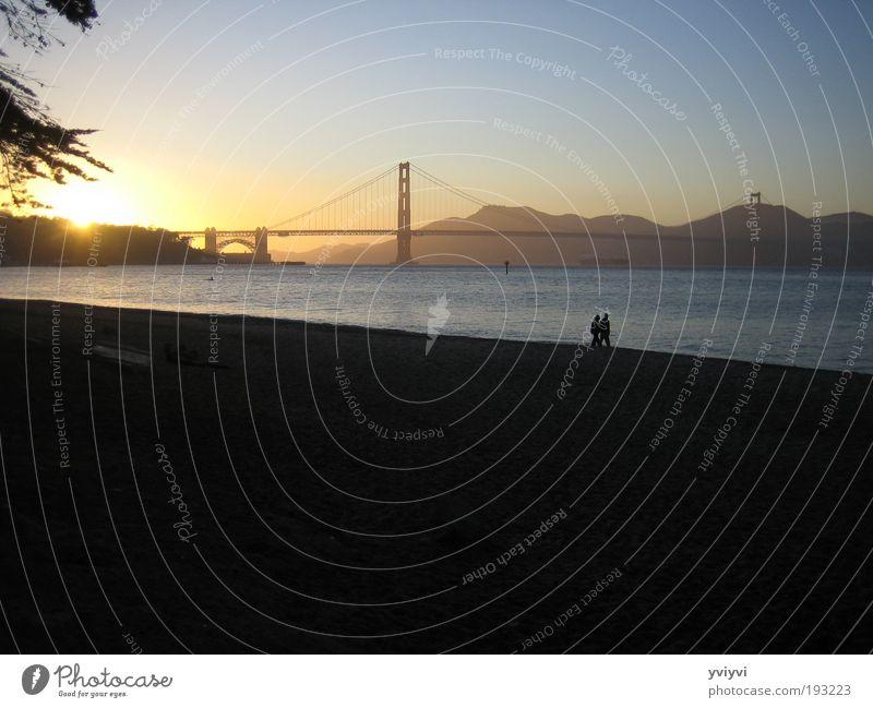 Golden Gate Bridge Outskirts Tourist Attraction Emotions Warm-heartedness Friendship San Francisco Multicoloured Exterior shot Twilight Sunrise Sunset