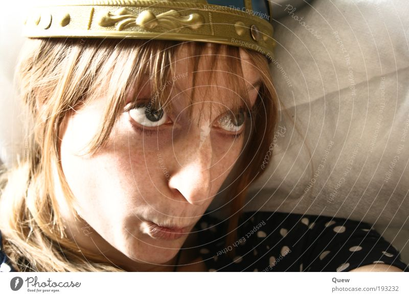 Woman Human being Youth (Young adults) Face Feminine Hair and hairstyles Head Funny Blonde Adults Brash Helmet Grimace Portrait photograph Young woman Upward