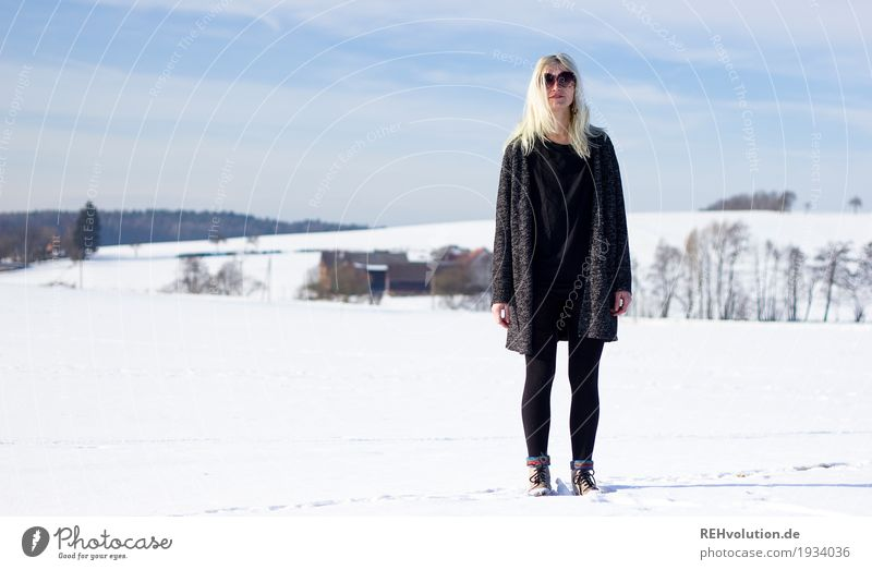 Jule in the snow! Feminine Young woman Youth (Young adults) Woman Adults 1 Human being 18 - 30 years Environment Nature Landscape Sky Sun Winter
