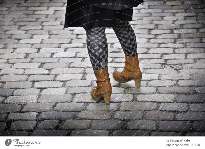 Woman Human being Youth (Young adults) Adults Black Feminine Street Gray Stone Legs Line Feet Brown Footwear Going Wait