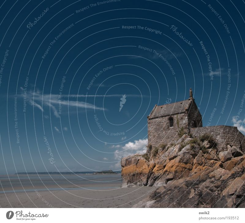 Sky Nature Old Water Ocean Summer Wall (building) Environment Landscape Small Sand Coast Building Wall (barrier) Horizon Climate