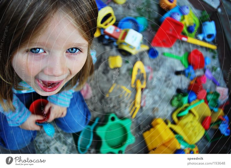Human being Child Girl Joy Playing Garden Laughter Sand Sit Happiness Kitsch Toys Joie de vivre (Vitality) Scream Infancy