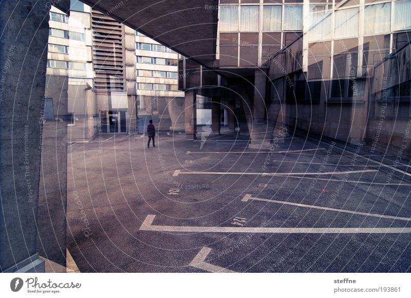 House (Residential Structure) Exceptional Parking lot Double exposure Parking space number