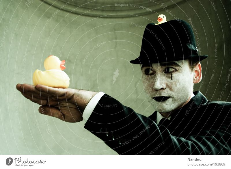 quack Human being Masculine 1 Suit Hat Squeak duck Communicate Elegant Uniqueness Emotions To talk Pantomimist Silent Wearing makeup To hold on Understanding