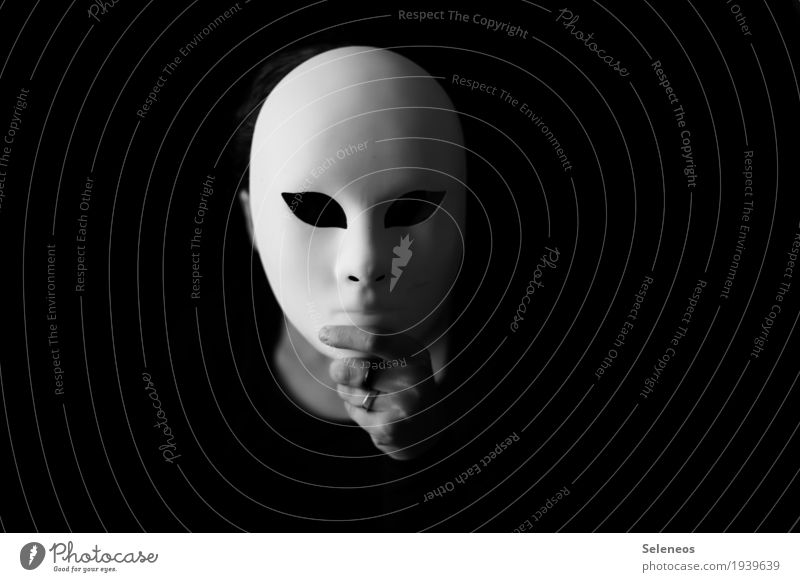I only smile in the dark Human being Head Face Eyes Nose Mouth Hand 1 Mask Dark Emotions Nerviness Perturbed Timidity Animosity Anonymous Black & white photo