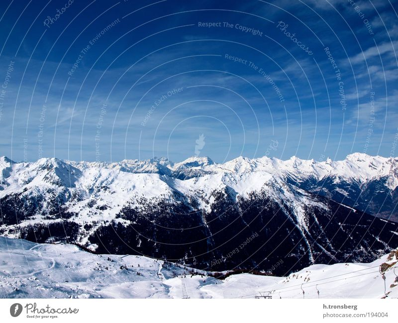 Mountain panorama Verbier Environment Nature Landscape Sky Horizon Winter Beautiful weather Alps Peak Snowcapped peak Glacier Esthetic Original Positive Blue