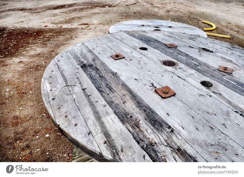 Construction sites Ufos Work and employment Profession Craftsperson Earth Sewer Conduit Pipe Steel cable Wood Wooden board Round Drum Sand Construction worker