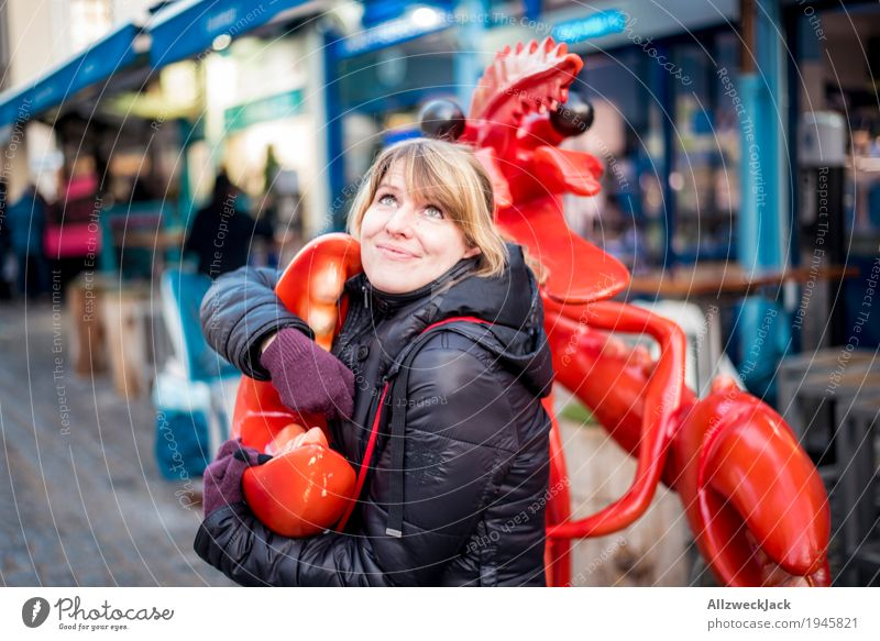 Lobster in Love Feminine Young woman Youth (Young adults) Woman Adults 1 Human being 18 - 30 years Animal Embrace Blonde Brash Friendliness Happiness Kitsch