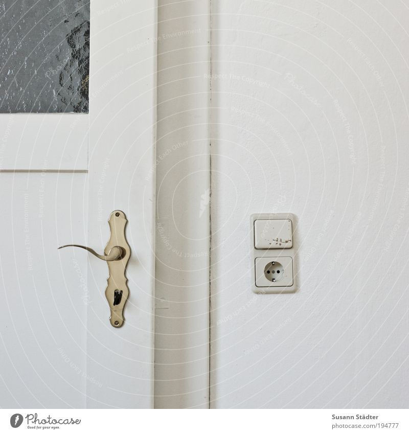 Wall (building) Window Wall (barrier) Going Door Kitchen Living or residing Living room Lock Key Building Door handle Socket Old building Switch Light switch