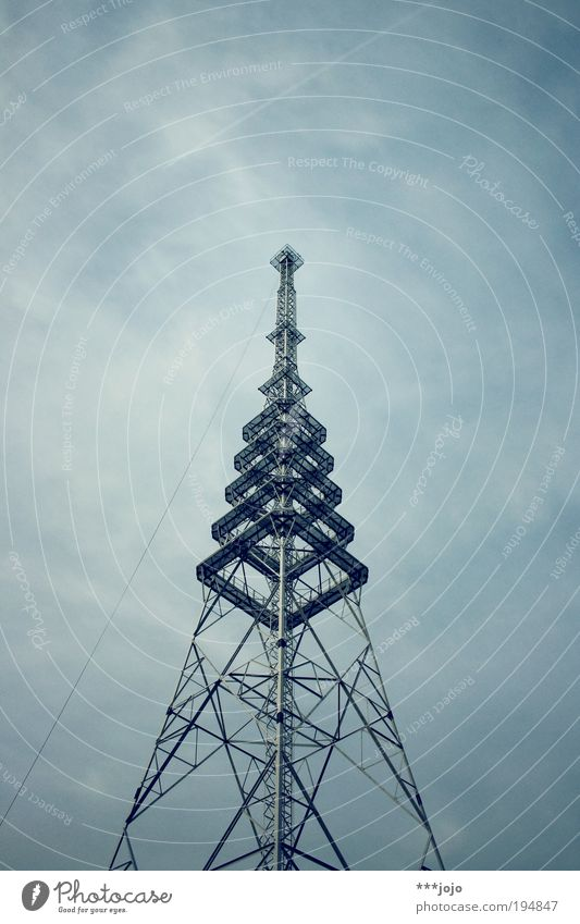 Vacation & Travel Architecture Large Tall Modern Arrangement Telecommunications Climbing Point Steel Steel cable Radio (broadcasting) Information Technology Symmetry Television tower