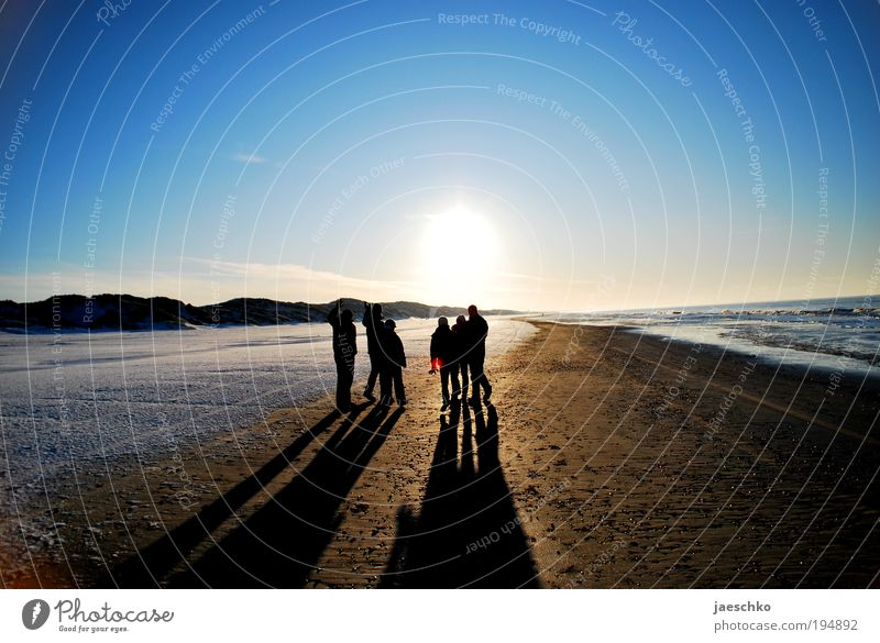sun lovers Well-being Relaxation Beach Winter vacation Success Friendship 6 Human being Group Nature Cloudless sky Sunlight Climate Beautiful weather Free
