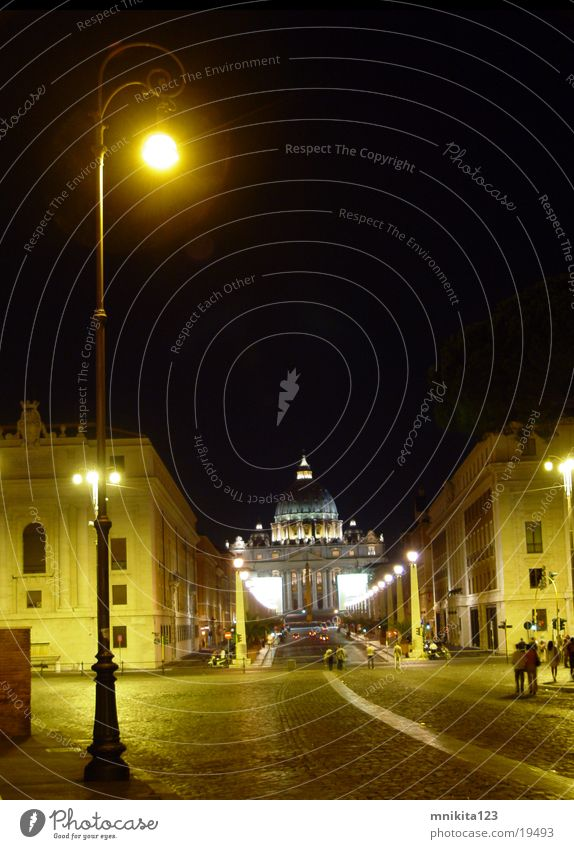 The lamp at the Angel Castle Rome Vatican Angelburg Lamp Night Europe