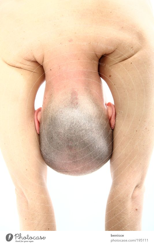 Human being Man Head Skin Ear Hide Bald or shaved head Sports Training Shame Practice Sports Bright background