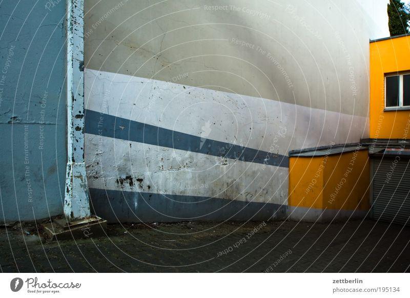 Dark Architecture Stripe Parking garage Striped Cellar Highway ramp (entrance) Garage Underground garage