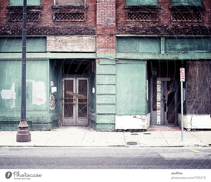 House (Residential Structure) Loneliness Street Door Poverty Facade USA City Transience Distress Ruin Downtown Louisiana Outskirts Lamp post